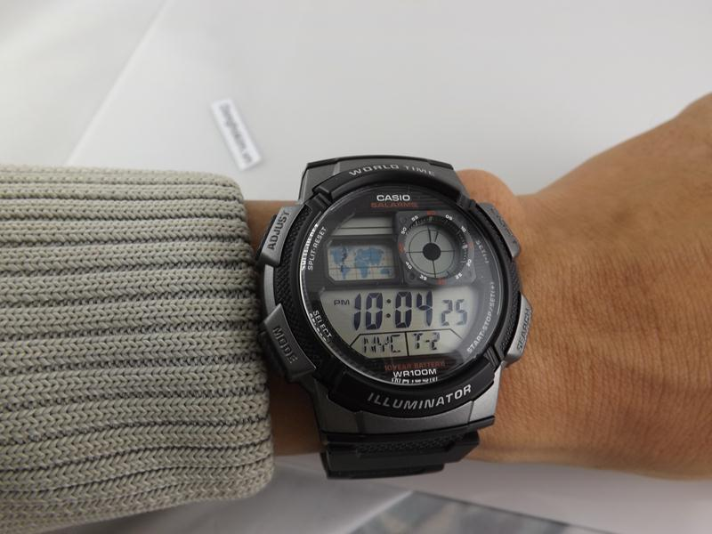 Casio AE1000W-1B dong ho chinh hang